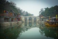 Un puente hermoso en la ciudad Prohibida, Pekín, China Imágenes de archivo libres de regalías