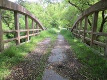 Un puente viejo abandonado Imagen de archivo libre de regalías