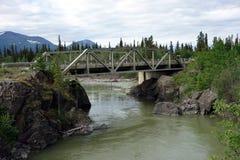Un puente viejo, bonito en Canadá imagenes de archivo