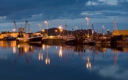 Un puerto pesquero imagenes de archivo