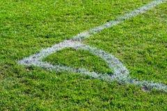 Un punto de la esquina en el fútbol del campo de fútbol Imagen de archivo