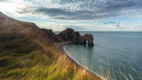 Un punto hermoso de la fotografía en la costa oeste del sur de Inglaterra, en la costa jurásica imagenes de archivo