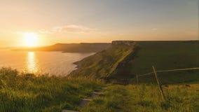 Un punto hermoso de la fotografía en la costa oeste del sur de Inglaterra, en la costa jurásica imágenes de archivo libres de regalías
