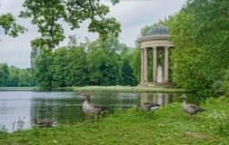 Un quiosco hermoso en Munich, Alemania foto de archivo libre de regalías