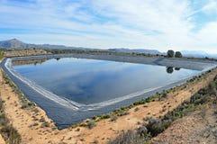 Un réservoir de montagne Photo stock