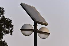 Un réverbère en parc Photographie stock libre de droits