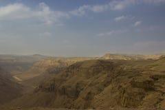 Un río de Hemar en un desierto israelí Imagen de archivo