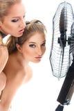 Un raffreddamento sexy molto caldo di due ragazze Fotografia Stock Libera da Diritti