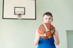 Un ragazzo con la palla Immagine Stock Libera da Diritti