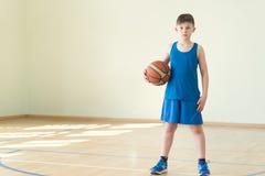 Un ragazzo con la palla Fotografia Stock