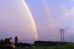 Un Rainbow sopra l'isola di Faial Immagine Stock