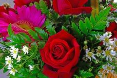 Un ramo de flores hermosas fotografía de archivo libre de regalías