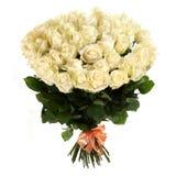 Un ramo de rosas blancas frescas aisladas en el fondo blanco Fotografía de archivo