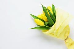 Un ramo de tulipanes amarillos imagen de archivo libre de regalías