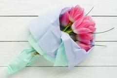 Un ramo de tulipanes rosados imagen de archivo libre de regalías