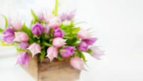 Un ramo hermoso de tulipanes rosados blur Fondo decorativo borroso Copie el espacio fotos de archivo