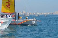 Un rasage étroit à la course d'océan de Volvo 2014 - 2015 Photo stock