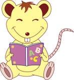Un ratón con un libro Imagen de archivo libre de regalías