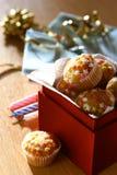 Un rectángulo por completo de mini fairycakes de la estrella Imagenes de archivo