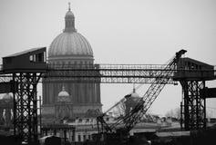 Un regard noir et blanc au St Petersbourg, Russie images libres de droits