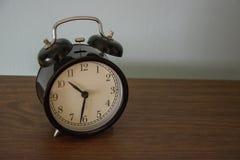 Un reloj del vintage Fotos de archivo libres de regalías
