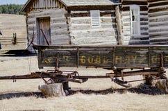 Un remolque abandonado viejo del carro en la granja de Hornbek Foto de archivo