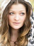 Un retrato de una muchacha con los ojos hermosos Imagen de archivo