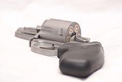 Un revolver caricato di 357 magnum Fotografie Stock Libere da Diritti