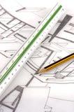 Un righello e una matita della scala su un'illustrazione tecnica Fotografie Stock Libere da Diritti