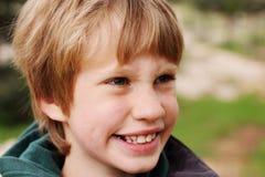 Un ritratto di 6 anni del ragazzo Immagini Stock Libere da Diritti