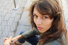 Un ritratto di 25 anni della ragazza Fotografia Stock Libera da Diritti