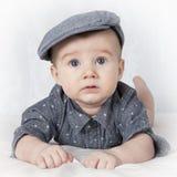 Un ritratto di quattro mesi del neonato Fotografie Stock