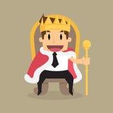 Un riuscito uomo d'affari sta sedendosi sul trono come un re immagini stock