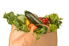 Un sacchetto di drogheria in pieno delle verdure Fotografia Stock Libera da Diritti