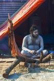 Un saint dans le mela de Kumbha Image stock