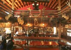 Un salón gigantesco del pueblo fantasma del yacimiento de oro, Arizona Fotografía de archivo