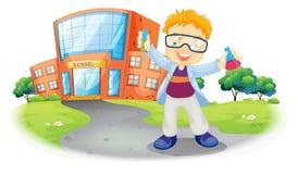 Un scientifique devant un bâtiment scolaire Image stock
