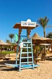 Un sedile per il bagnino alla spiaggia fotografia stock