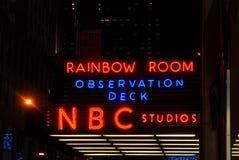 Un segno al neon dei 30 della roccia studi di NBC Fotografia Stock