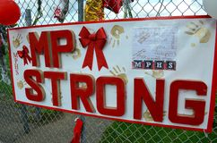 Un segno del memoriale della fucilazione di scuola di Marysville Pilchuck Immagine Stock Libera da Diritti