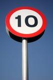 un segno di 10 mph. Fotografie Stock