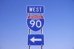 Un segno per 90 da uno stato all'altro ad ovest nel Minnesota Fotografie Stock Libere da Diritti