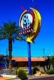 Un segno variopinto al distretto di arti a Las Vegas del centro illustrazione di stock
