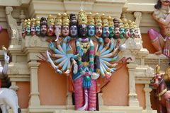 Un seigneur indou avec la tête 18 du temple de Balaji image stock