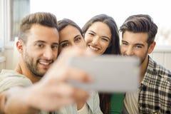 Un selfie con gli amici Fotografia Stock
