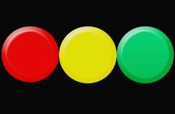 Un semaforo con tutti e tre gli indicatori luminosi ha illuminato simultan Immagini Stock