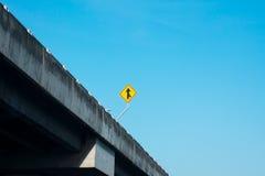 Un signe de fusion de route Photographie stock