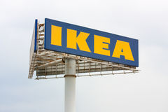 Un signe three-cornered d'ikea Photographie stock libre de droits