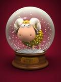 Un simbolo di 2015 Pecore dell'oro nella palla della neve Fotografia Stock
