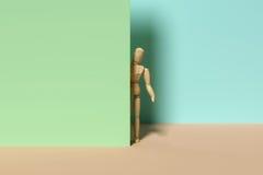Un simulacre derrière le mur illustration stock